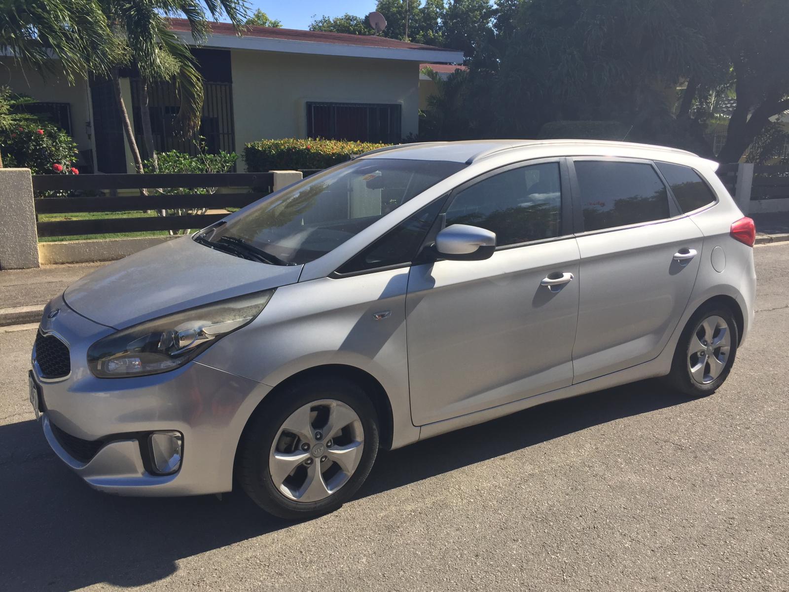 car: kia carens july 2020 | auto's op curacao